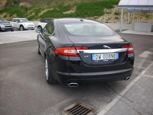 Jaguar XF retro